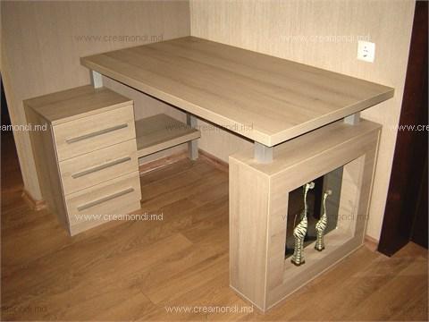 Стол для компьютера. оригинальный стол для компьютера в кори.